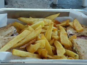Das Bild zeigt unser Mittagessen auf Mykonos