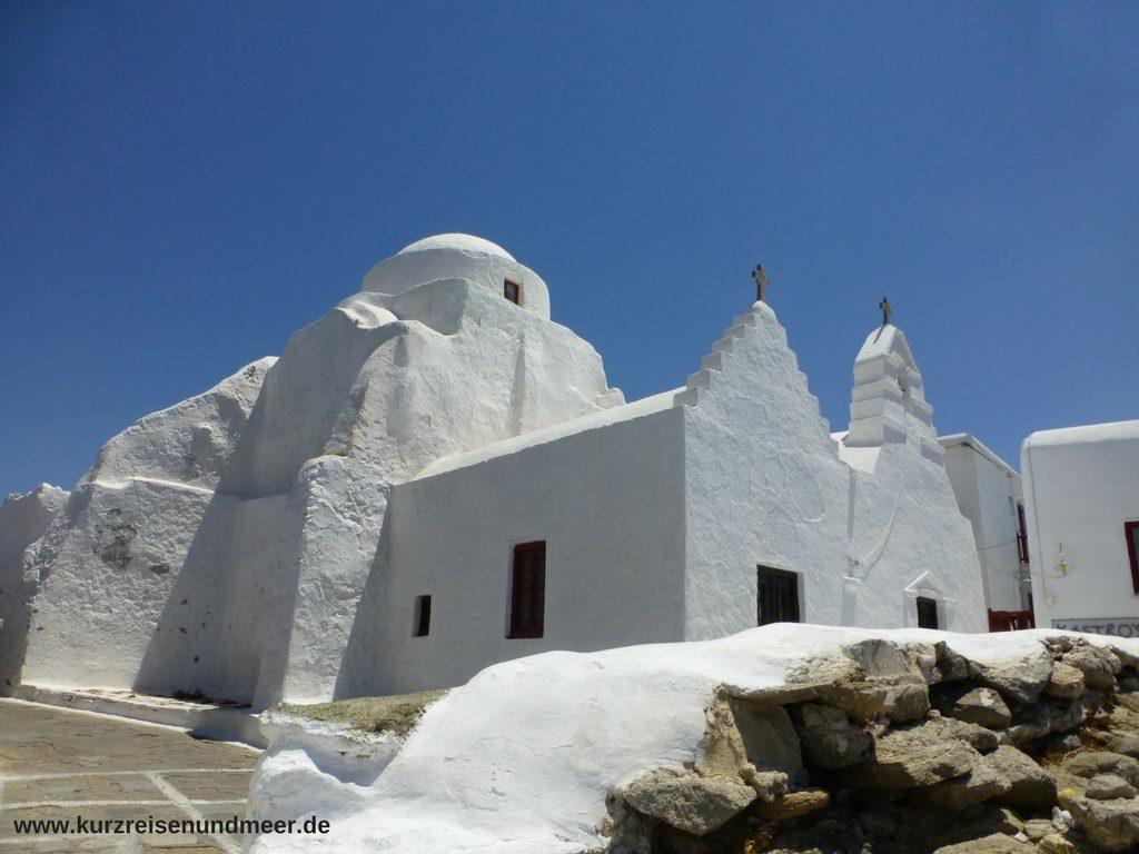 Das Bild zeigt eine Kapelle auf Mykonos.