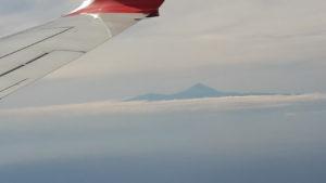 Blick vom Flugzeug auf den Teide