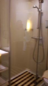 Das Bad der Kabine 4154 auf der AIDAsol