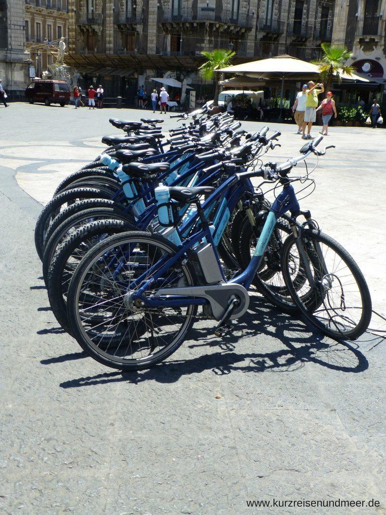 Auf der Mein Schiff 2 kann man auch Fahrradtouren buchen