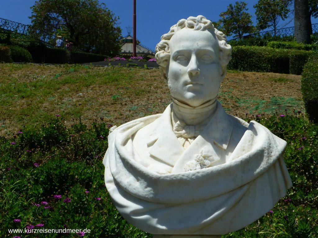 Statue des Vincenzo Bellini in der Villa Bellini in Catania