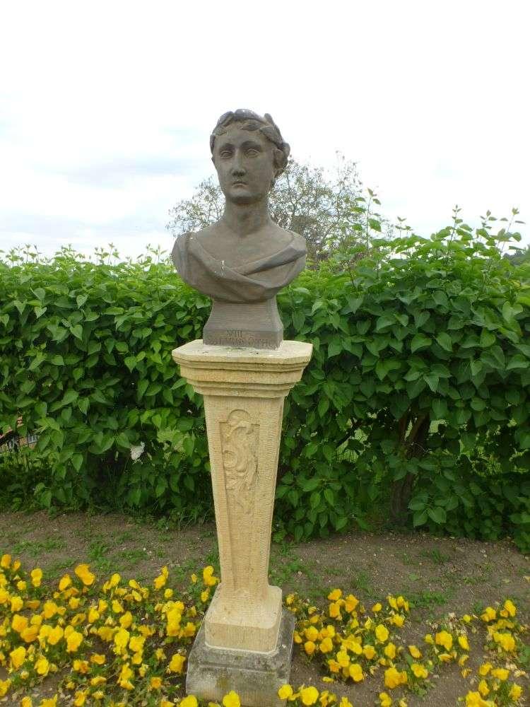 Kaiserbüste von Salvius VIII in den Barocken Gärten Blankenburg