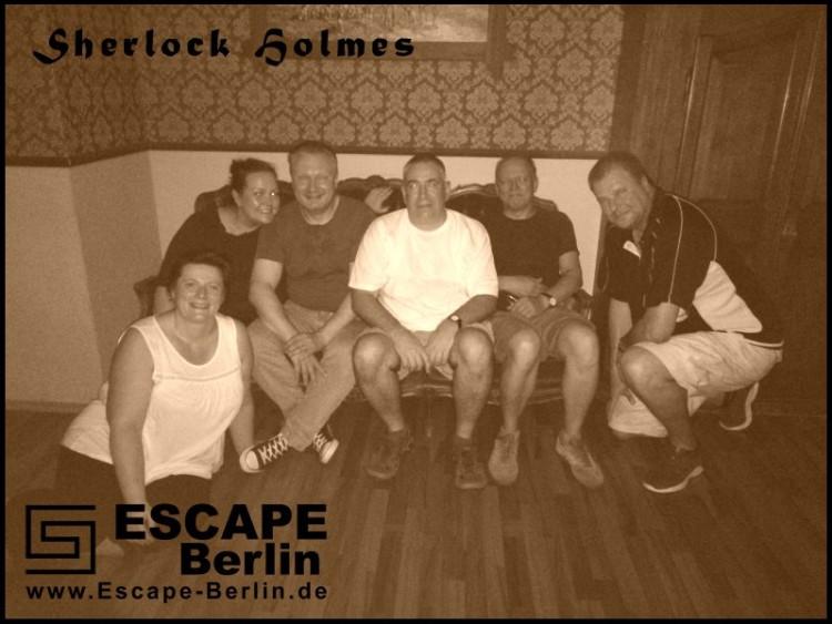 Erschöpft aber glücklich… So haben wir unser erstes Escape Game beendet.