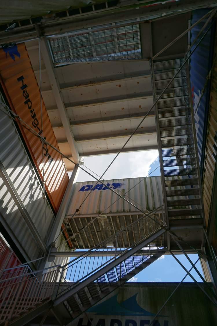 Der Containerturm Bremerhaven von innen
