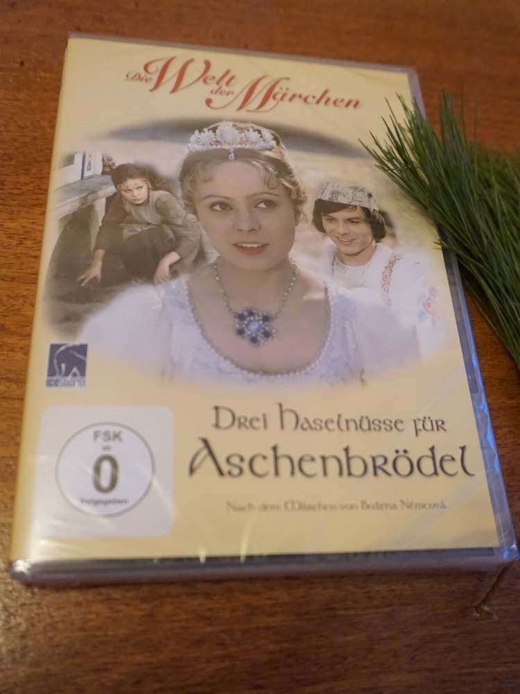 """DVD des Kultfilms """"Drei Haselnüsse für Aschenbrödel"""""""
