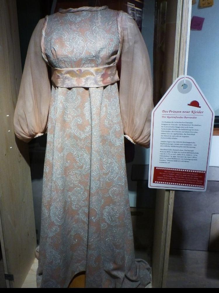Kleid, das Aschenbrödel zum Ball trägt