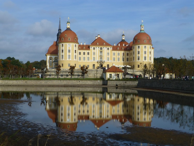 Schloss Moritzburg mit Spiegelung