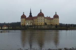 Drei Haselnüsse für Aschenbrödel – die Winterausstellung im Schloss Moritzburg