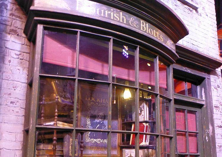 Harry Potter Flourish & Blotts