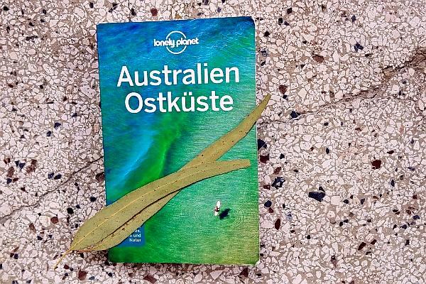 Du suchst nach einem Reiseführer für die Ostküste Australiens? Ich habe den Lonely Planet Ostküste Australien genutzt und beschreibe den Reiseführer hier.