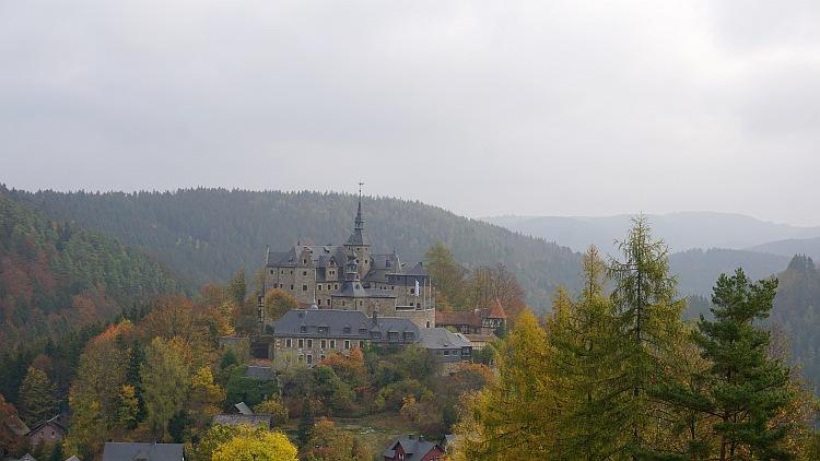FrankenwaldSteigla: Blick auf die Burg Lauenstein